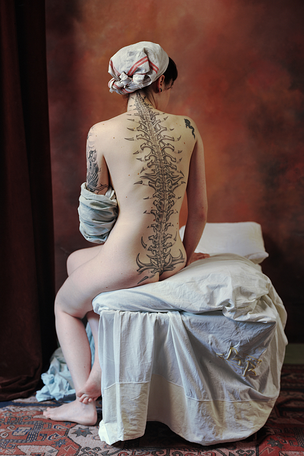 Gorgeous spine tattoo photographed by multidisciplinary artist Stéphane